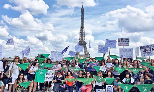 Un pañuelazo verde por el Mundo