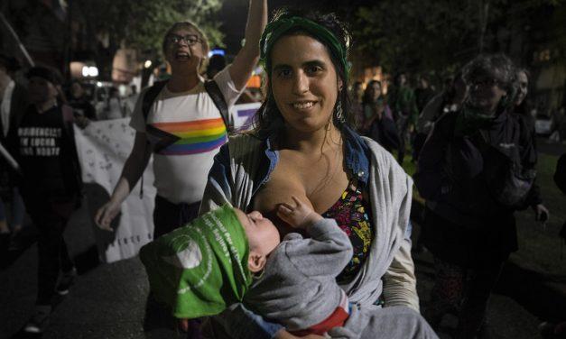 Tres kilómetros de marcha feminista